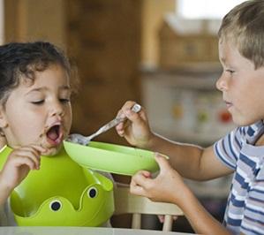 Maak van het eten een gezellig moment met Babygebaren